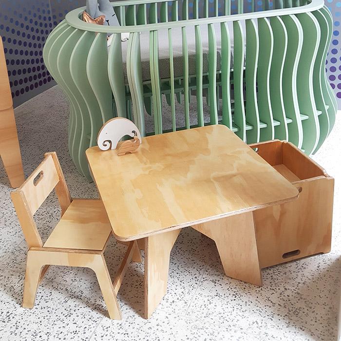 Íris - Mesa Infantil Tampo Liso Coleção Nature (Jequitibá/Marfim)