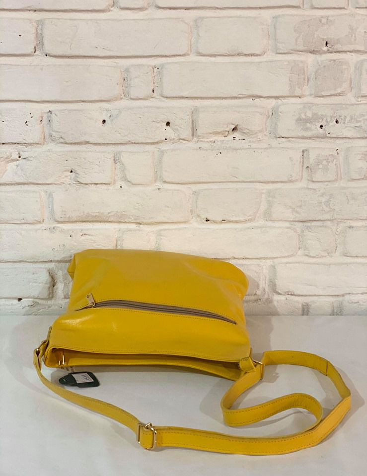 Bolsa Transversal Prata Couro 9128 Amarela