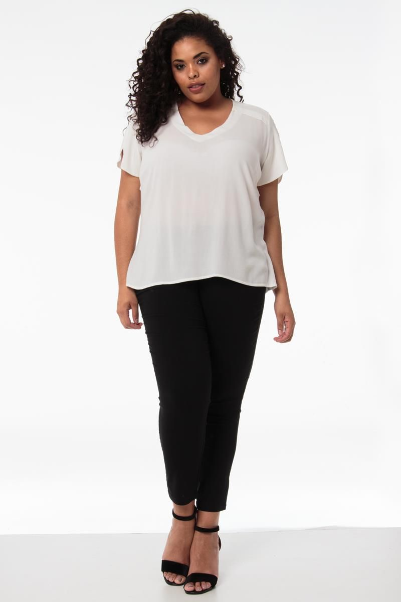 Blusa Plus Size Adriana branca