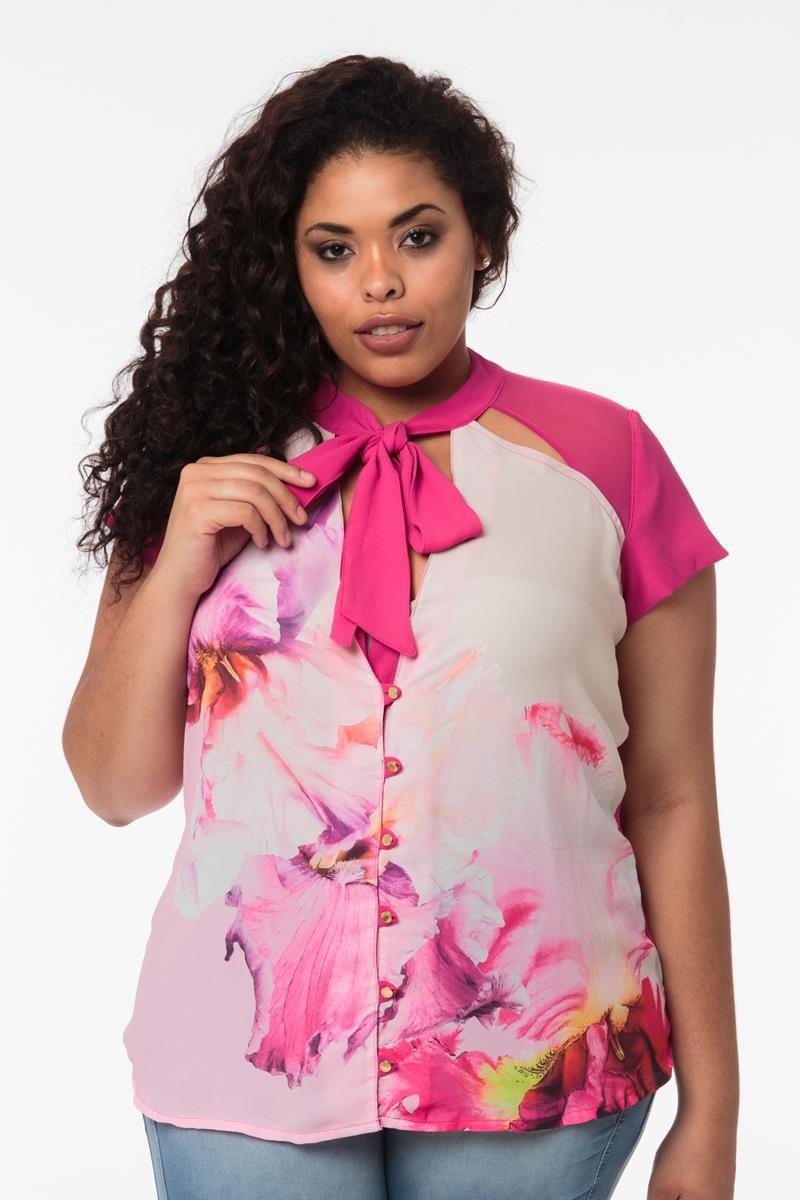 Blusa Plus Size  estampada com laço