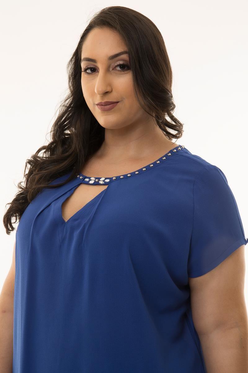 Blusa Plus Size com aplicações azul royal
