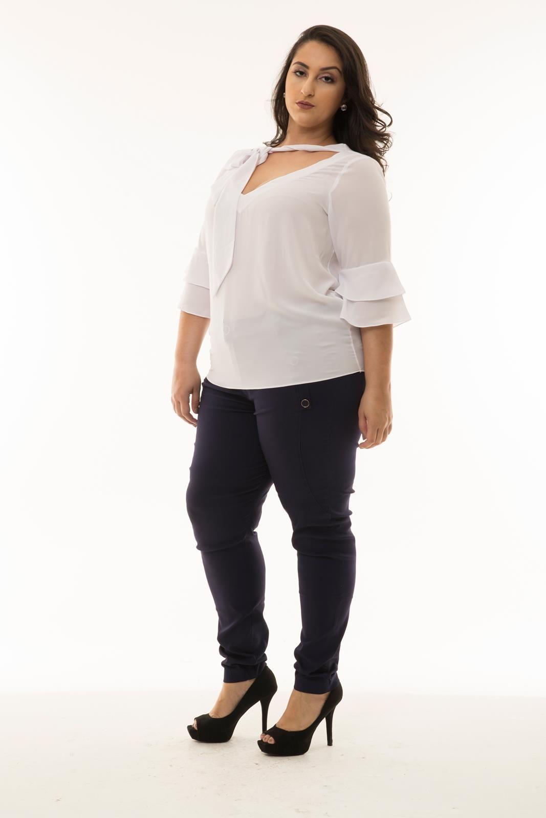 Blusa Plus Size branca  babados