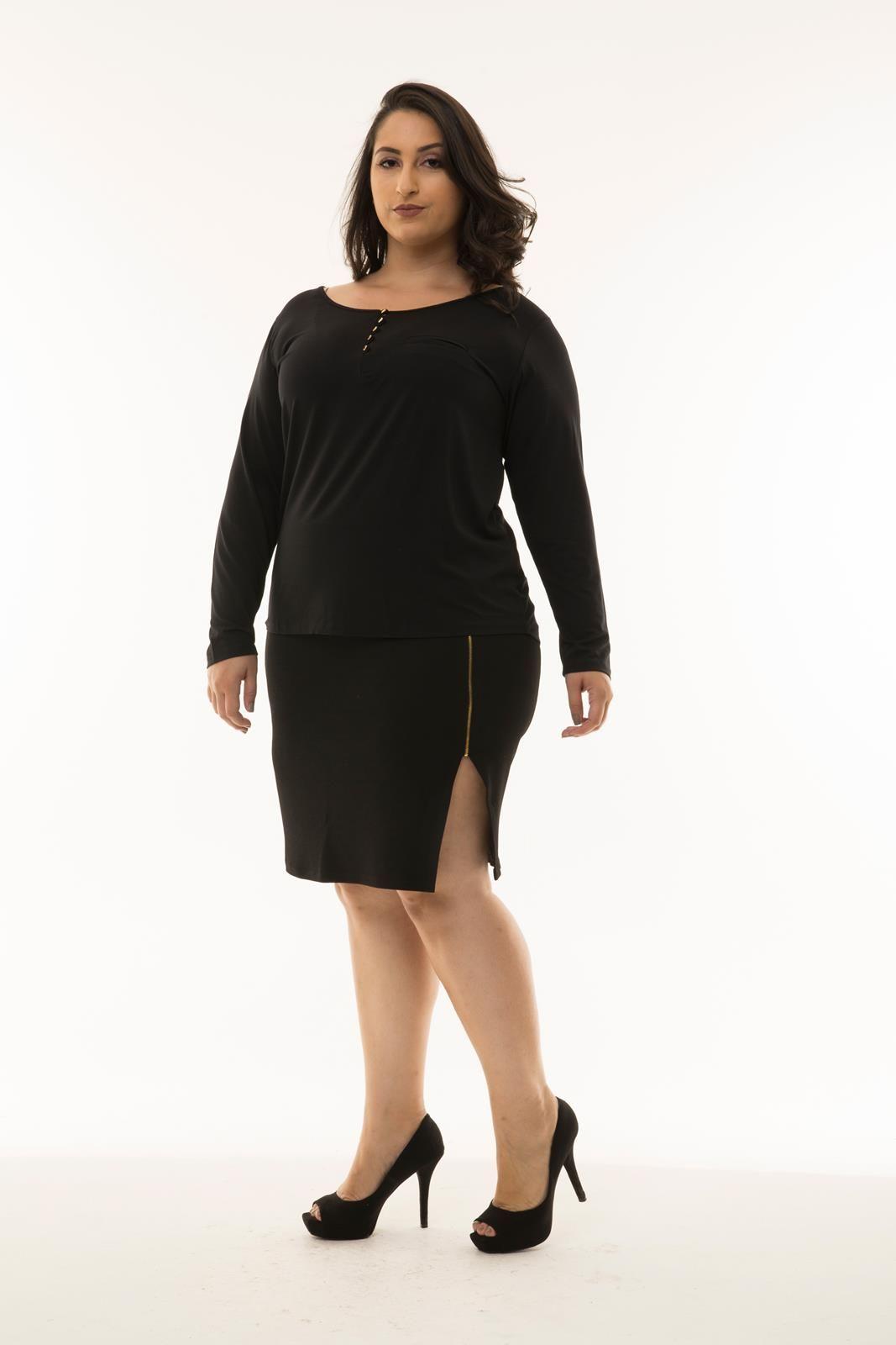 Blusa Plus Size com abotoamento