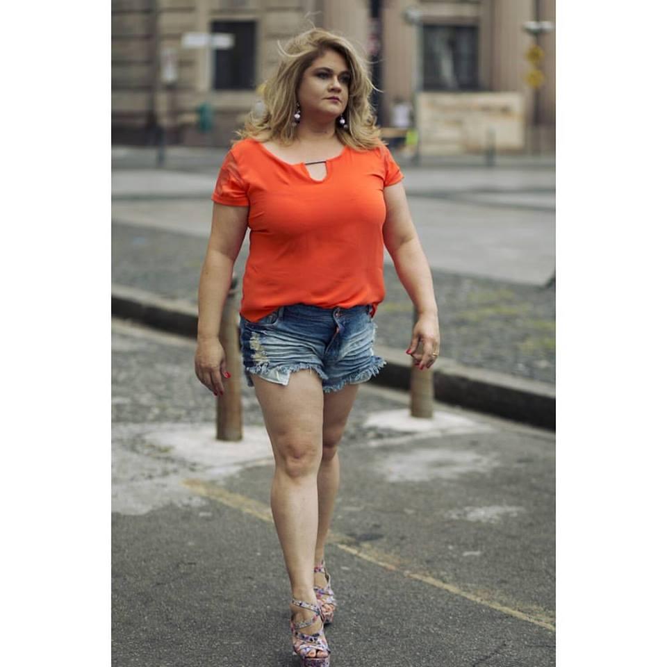 Blusa Plus Size recorte laranja