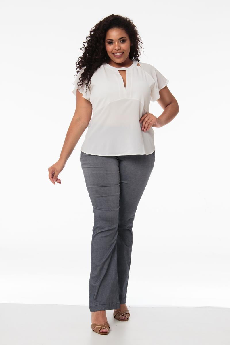 Blusa Plus Size trançada