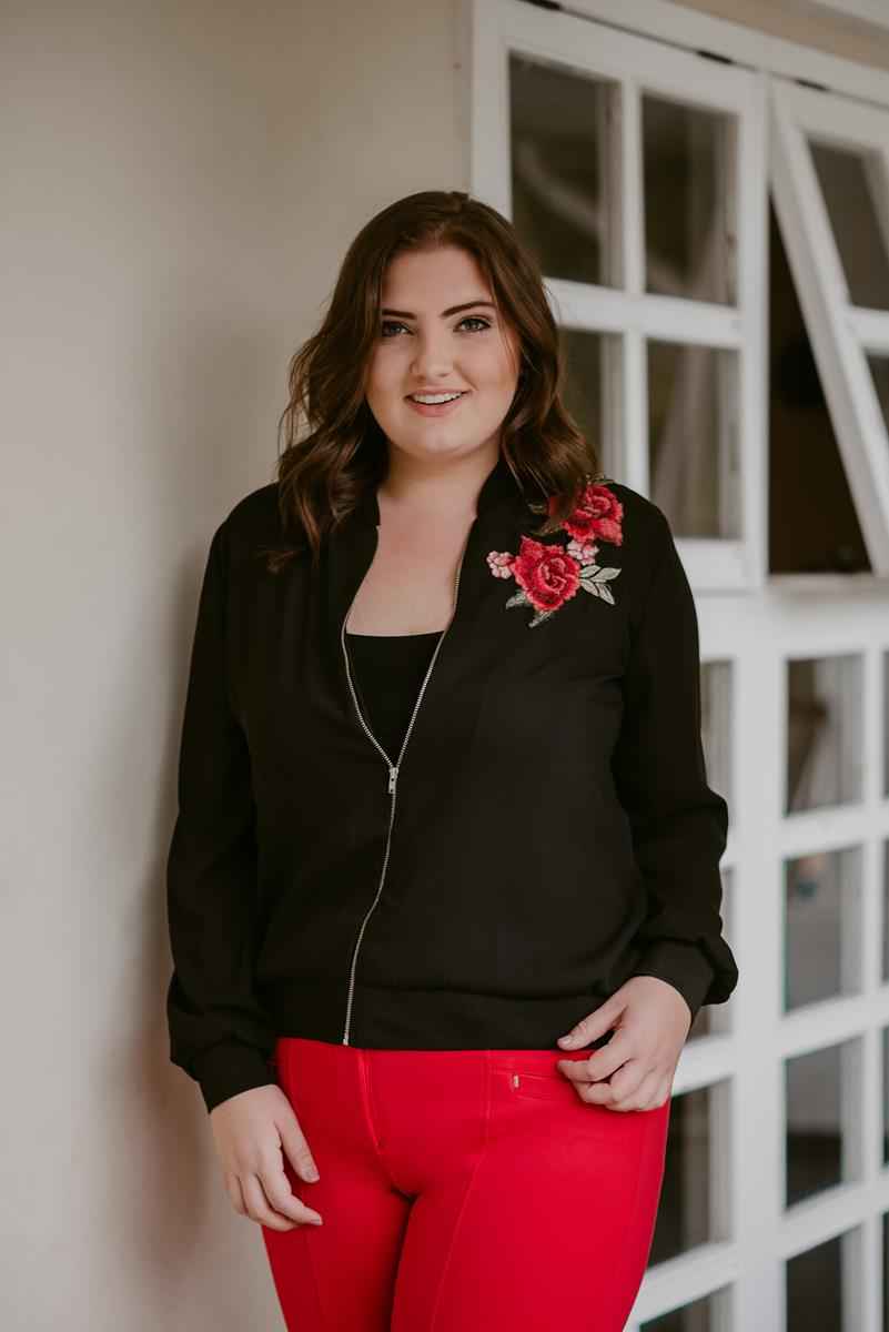 Bomber plus size com bordado