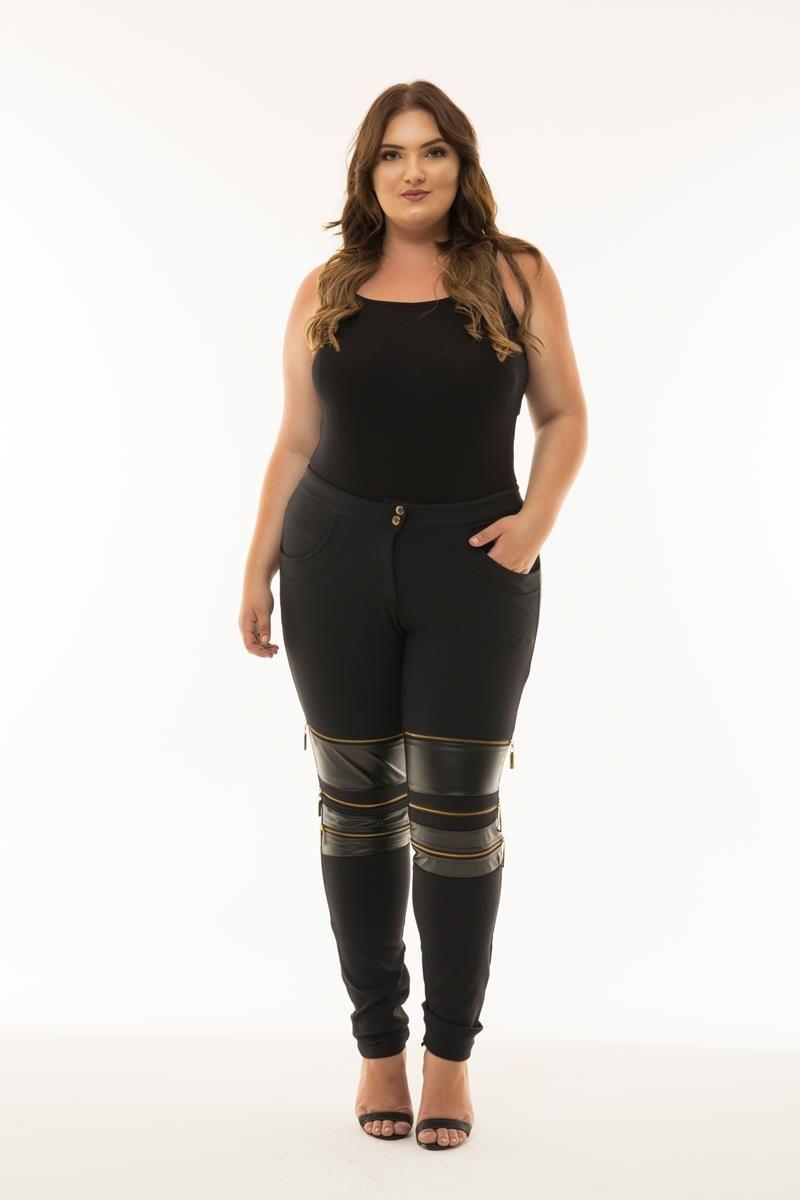 Calça Plus Size detalhe joelho