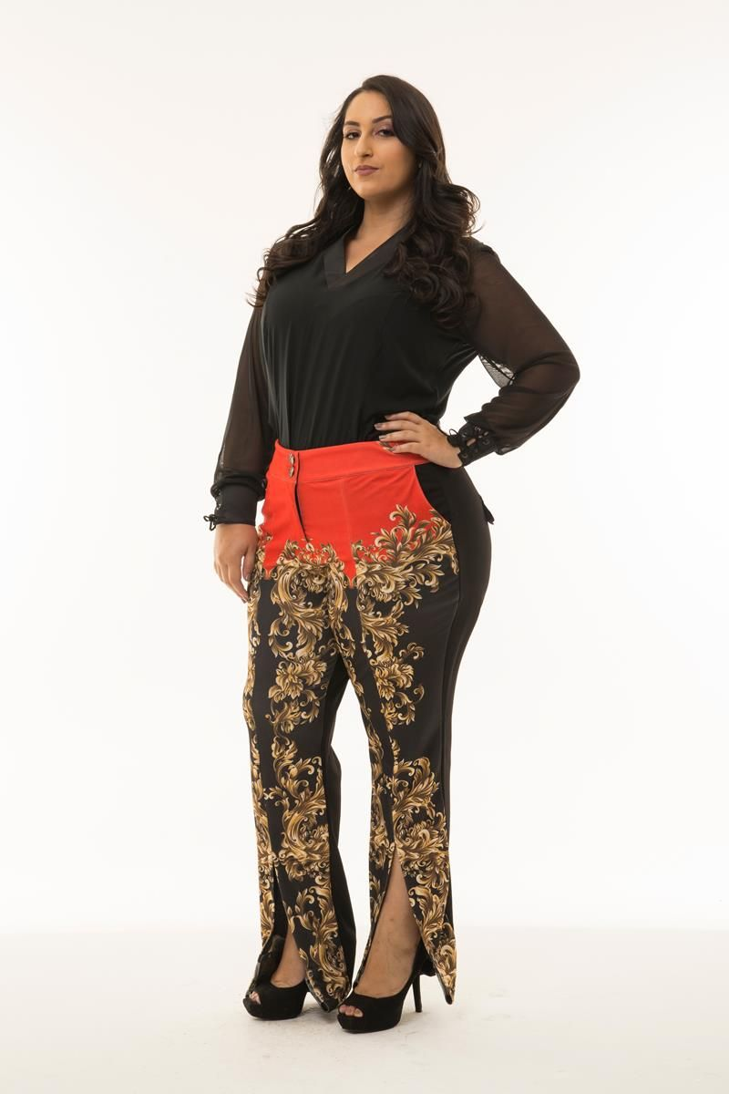 Calça Plus Size fenda frontal