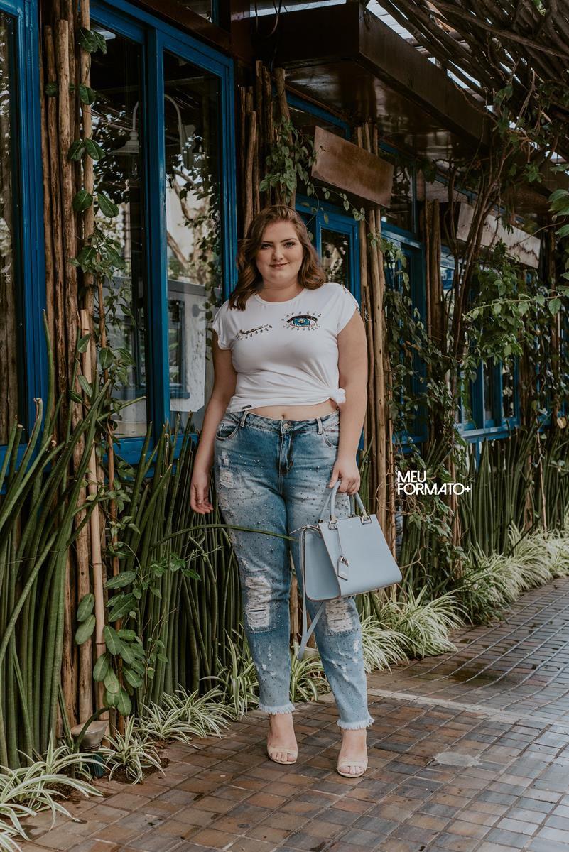 calça jeans plus size boyfriend com aplicações