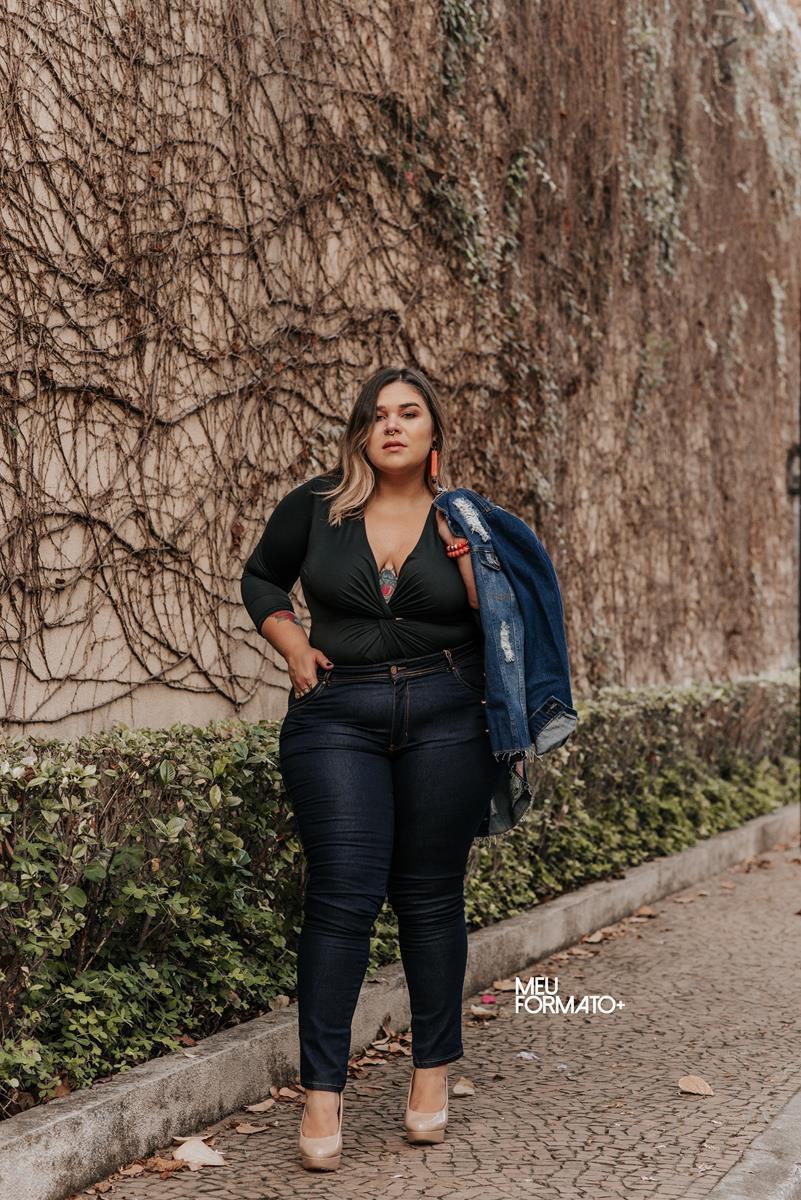 Calça Plus Size  jeans escura skinny