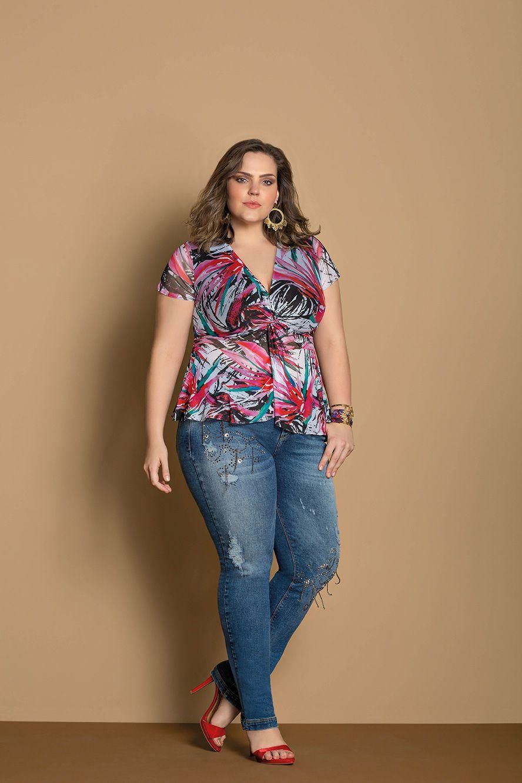 Calça jeans plus size skinny com aplicações