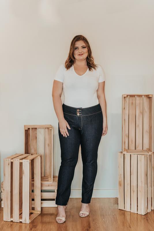 Calça Plus Size jeans botões escuro