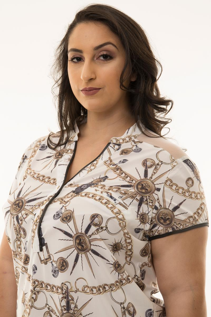 Camisa Plus Size estampa correntes