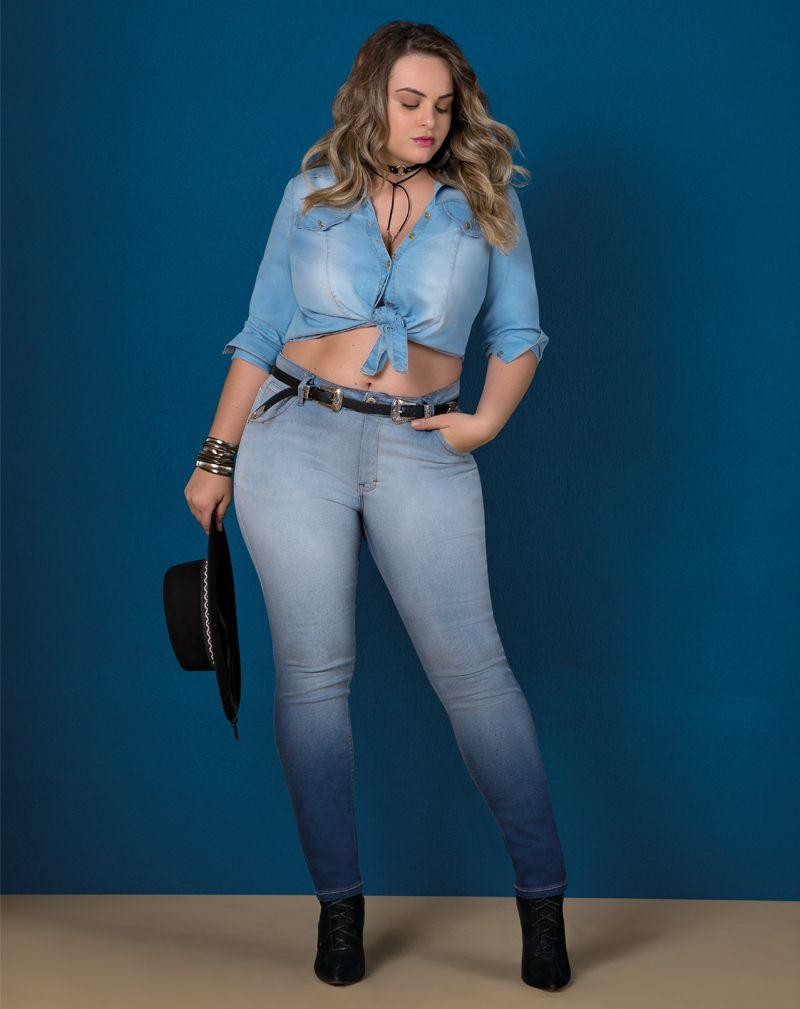 camisa jeans plus size de manga longa