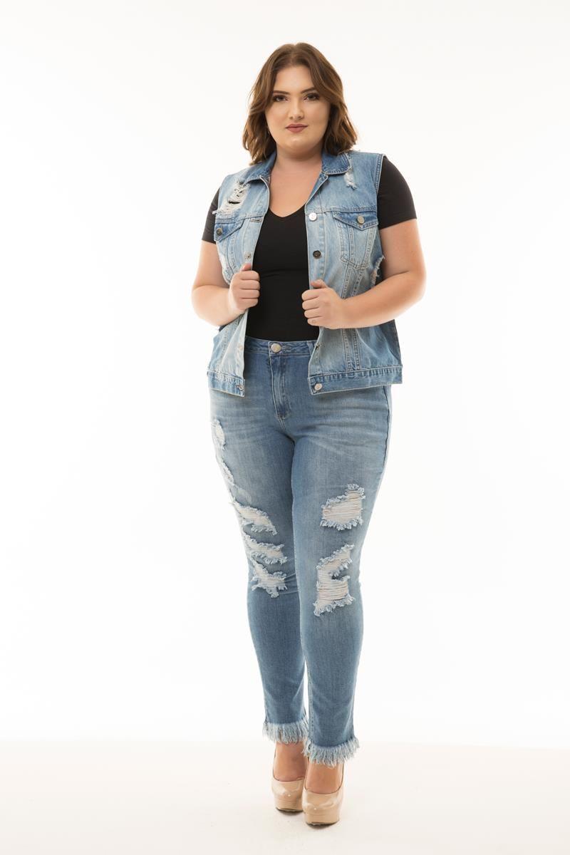 Colete Plus Size jeans com escrito