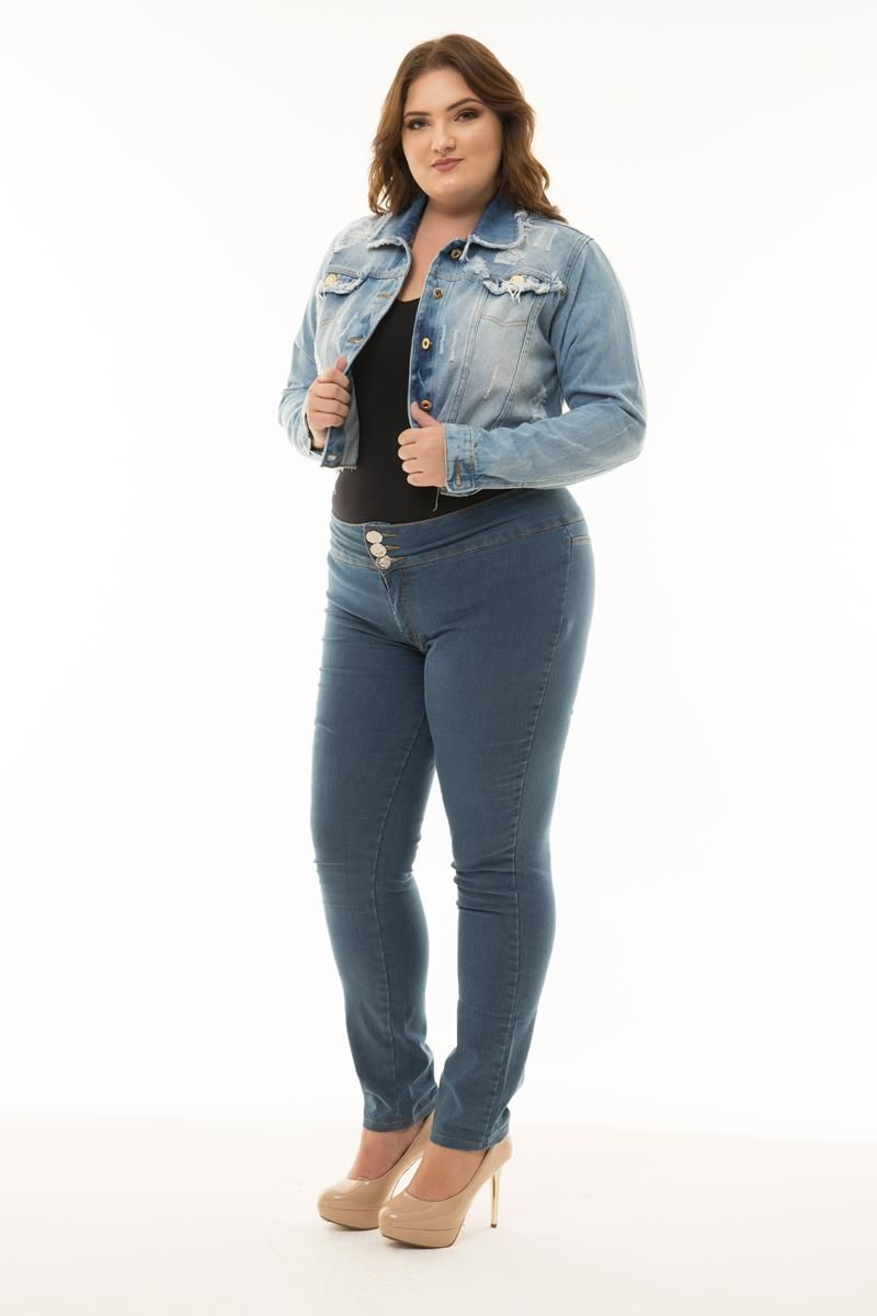 Jaqueta Plus Size jeans curta barra desfiada