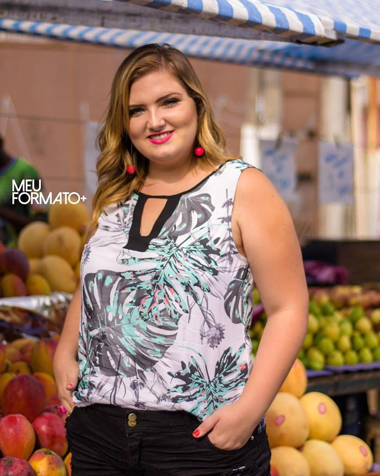 Regata Plus Size estampa folhagem