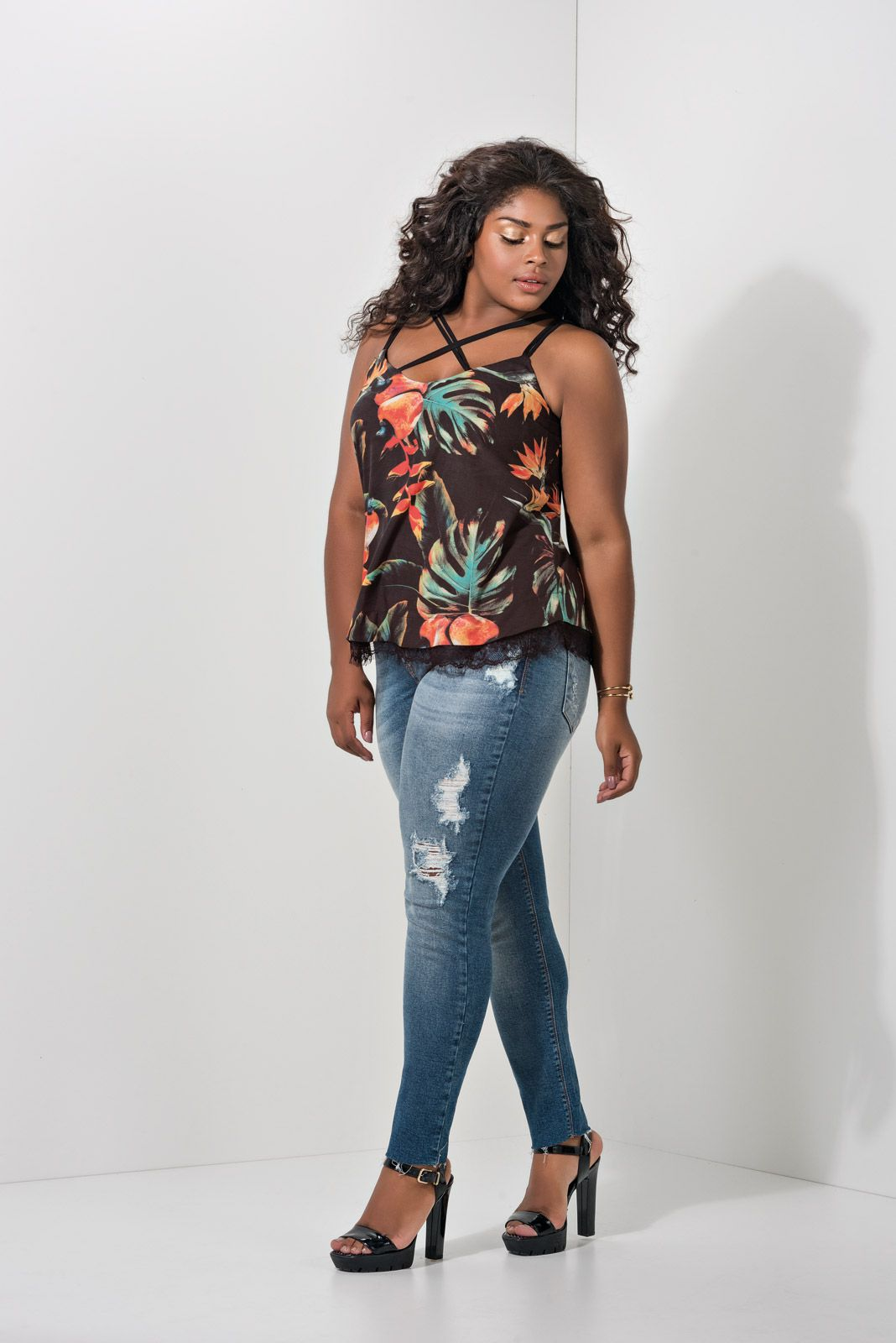 Regata Plus Size Floral Dupla Face