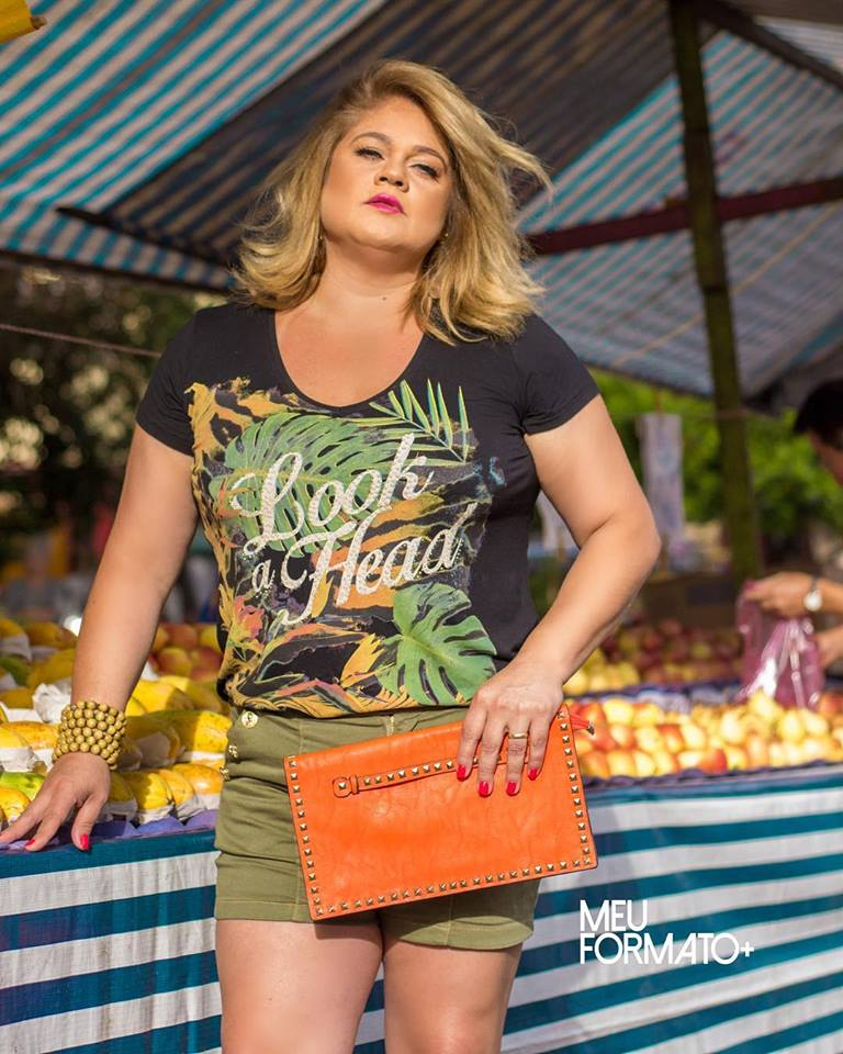 T shirt Plus Size Look a Head