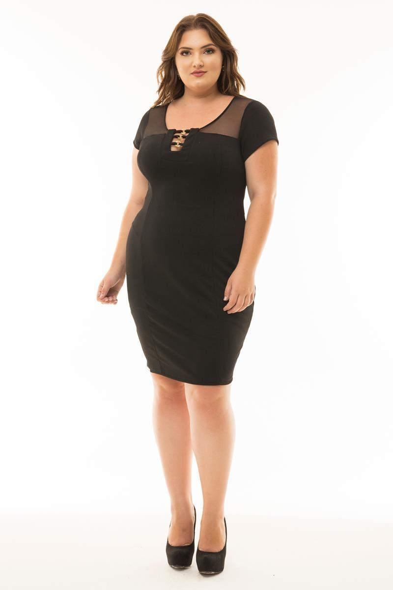 Vestido Plus Size aplicação de strass