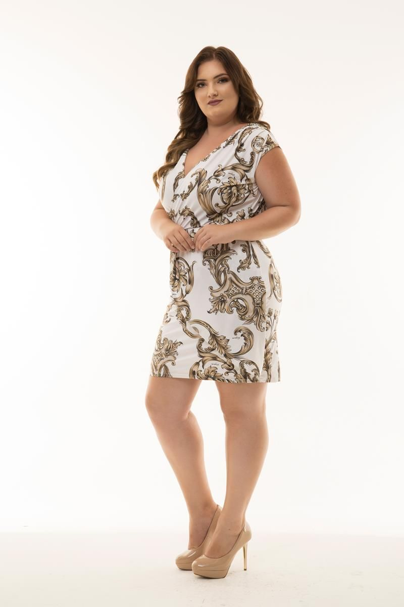 Vestido Plus Size curto provençal