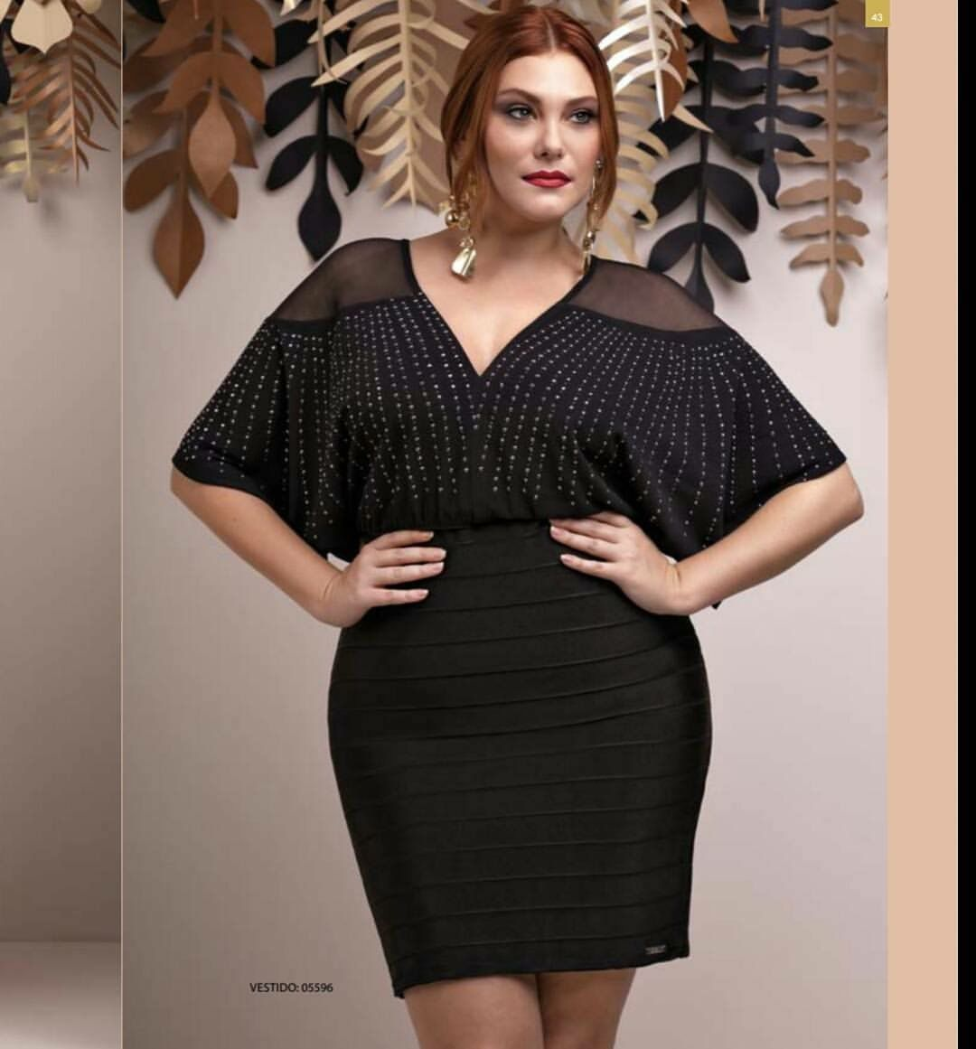 vestido plus size curto bandagem com aplicações
