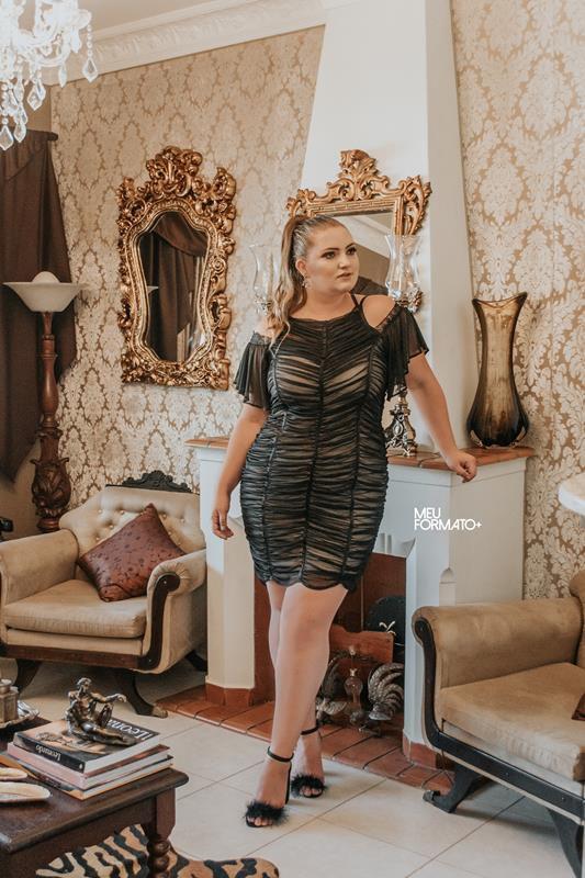 Vestido Plus Size Franzido curto