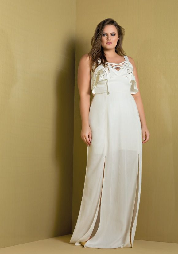 vestido plus size jeans off white com bordado