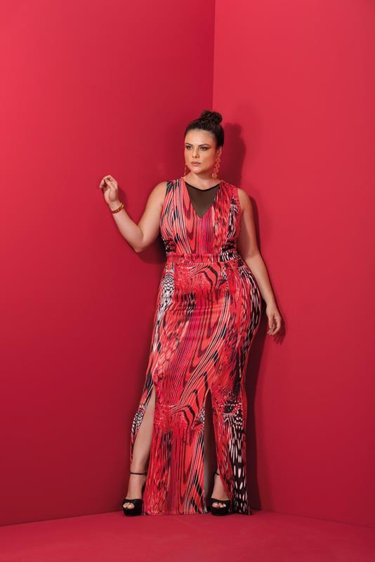 vestido plus size longo estampado