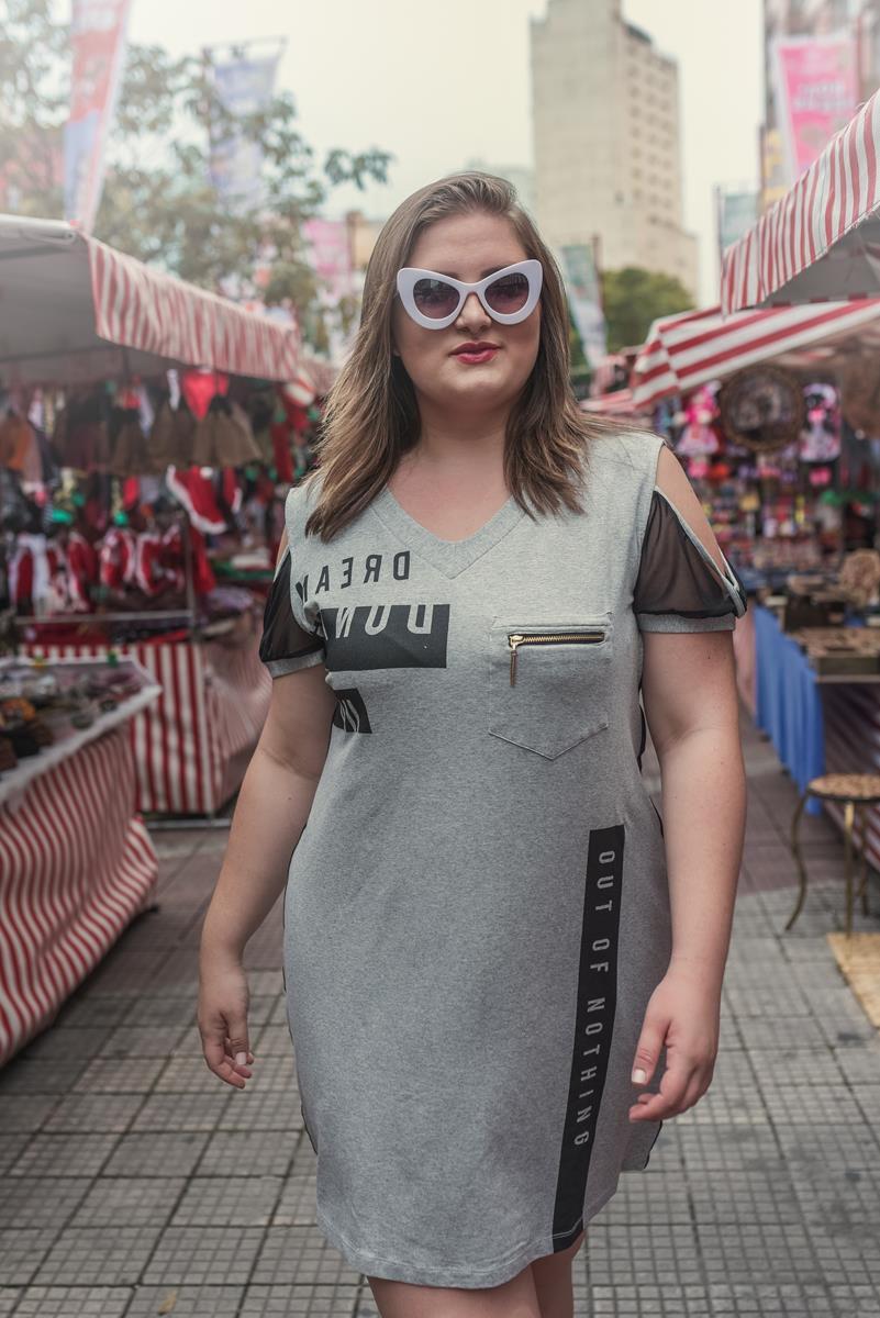 Vestido plus size manga vazada