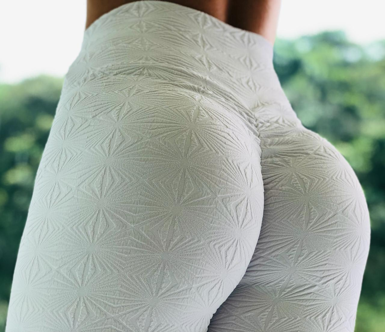 LEGGING EMPINA BUMBUM WHITE DIAMOND