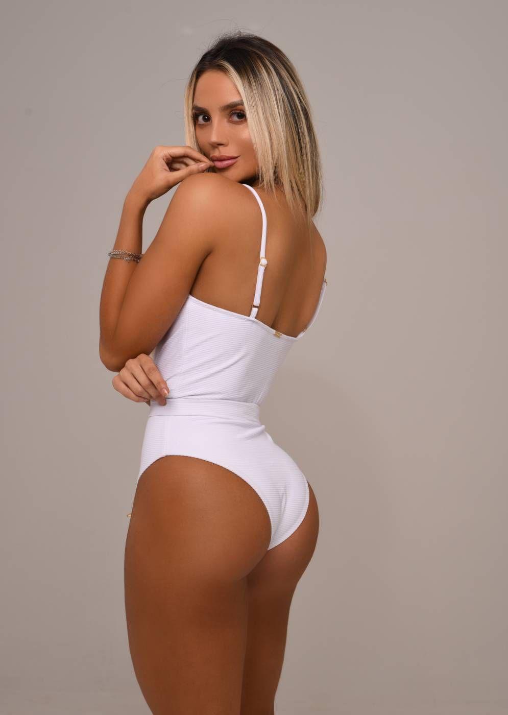Maiô Branco com Cinto