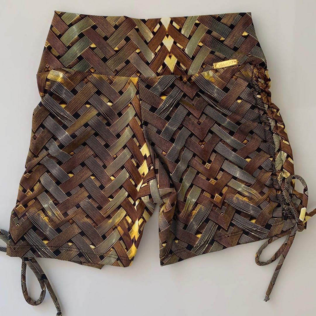 Short Empina Bumbum Iron Gold com Ajuste