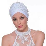 Turbante Fechado Drapeado Branco Bordado em Perolas