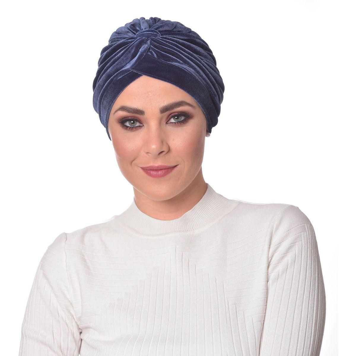 Turbante Fechado Drapeado Azul em Veludo