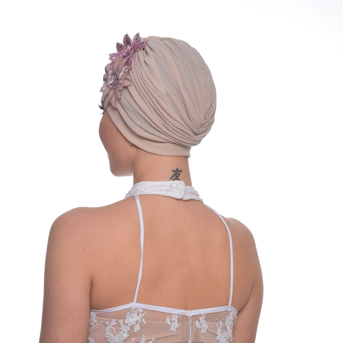 Turbante Fechado Drapeado em Lurex Rose Com Detalhes Duplo.