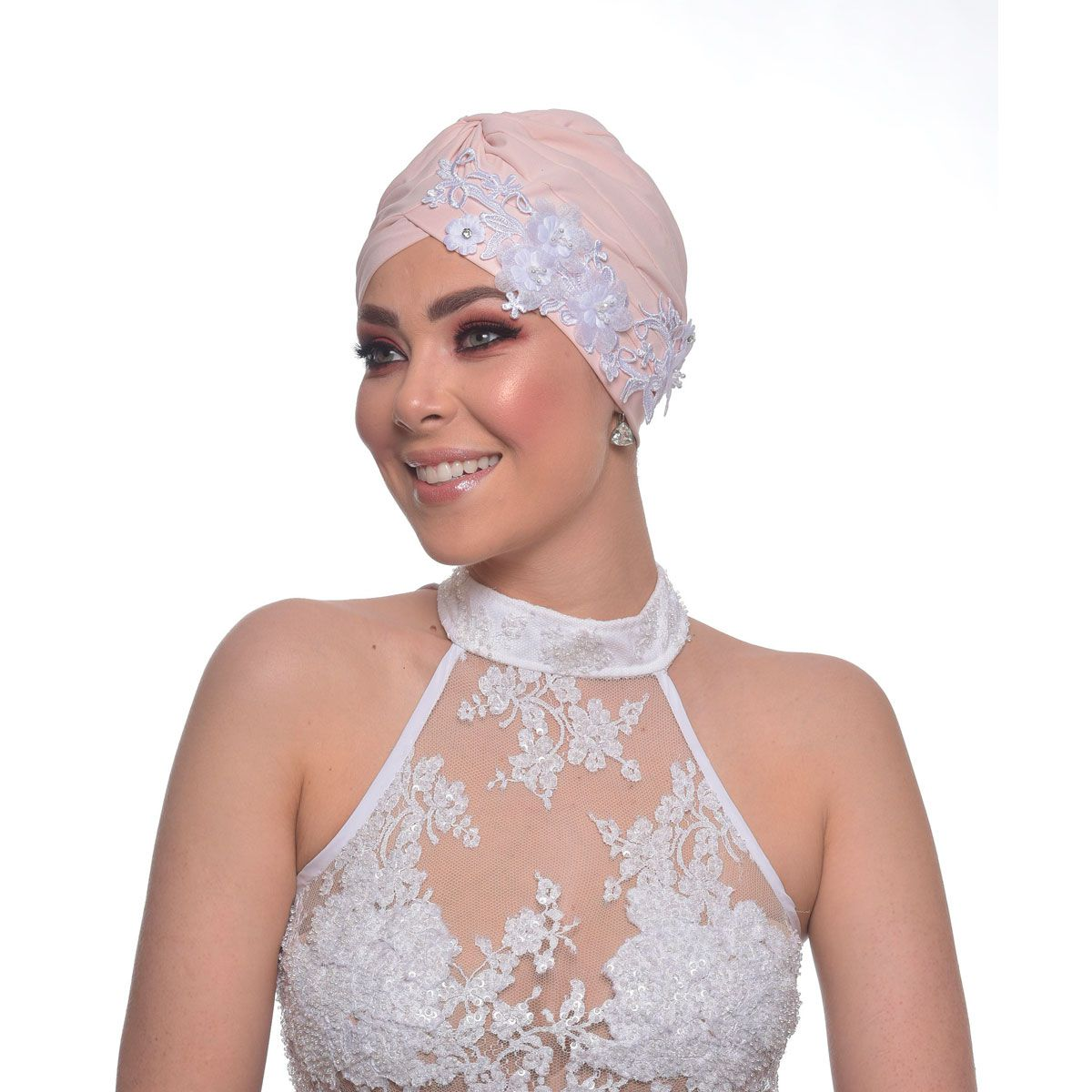 Turbante Fechado Drapeado Rose com Apliques em Guipir