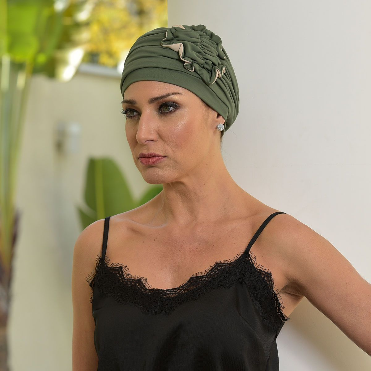 Turbante Feminino Fiore Verde Bandeira com Nude
