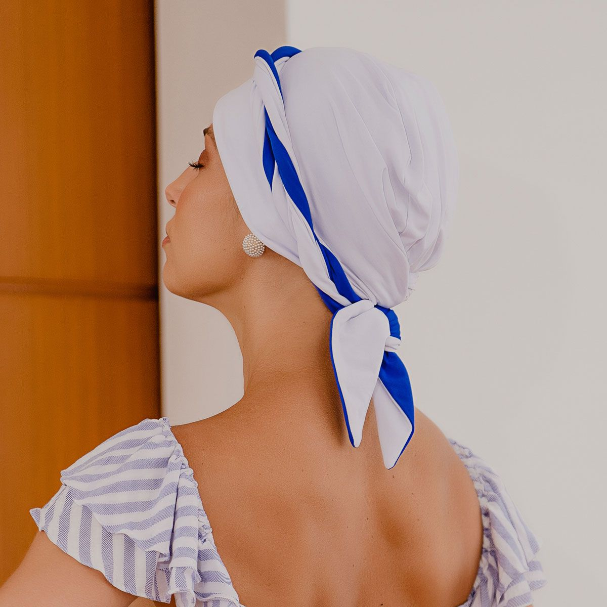 Turbante Feminino Dupla Face Vicky Branco com Azul Royal