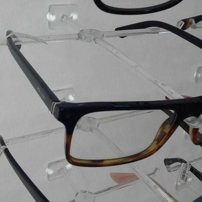 Painel Expositor em Acrílico para Óculos - Tamanho 100X100cm