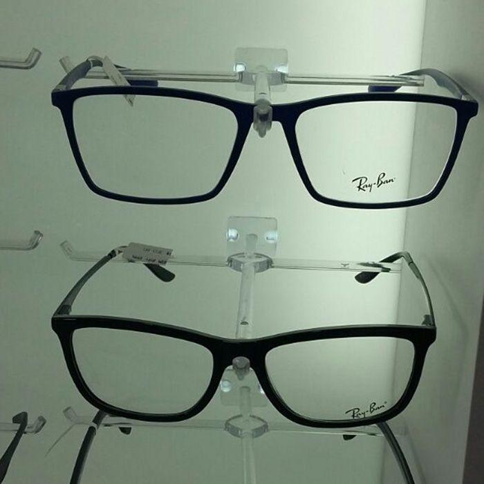 Painel Expositor em Acrílico para Óculos - Tamanho 100X120cm