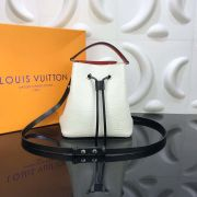 LOUIS VUITTON NEONOE EPI LEATHER