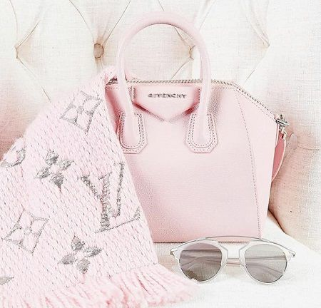 Bolsa Antigona Givenchy