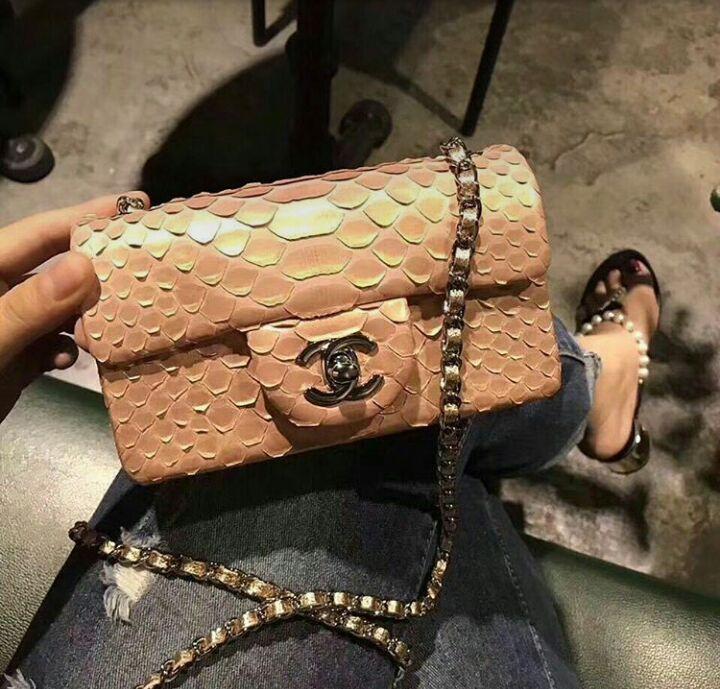 Bolsa Chanel 2.55 piton