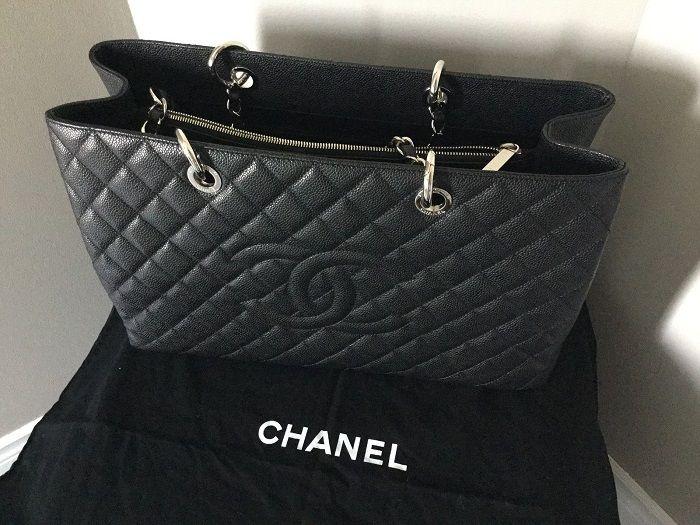 Bolsa Chanel Shopper Caviar