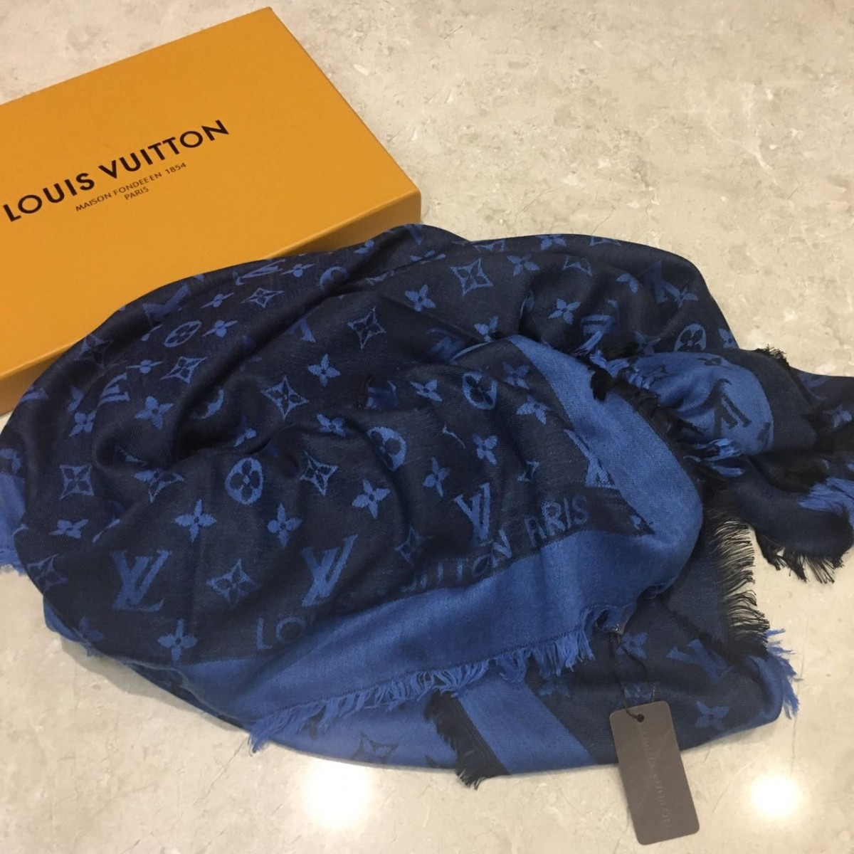 ECHARPE LOUIS VUITTON MONOGRAM ROCK SHAWL