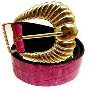 Cinto de Couro Croco Rosa Pink com fivela e ponteira dourada - 3,5 - cm - Cintos Exclusivos - Feminino