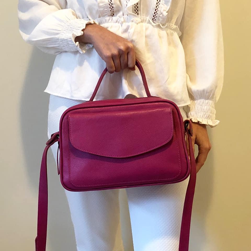 Bolsa Baú de Couro Rosa - Cintos Exclusivos - Feminino