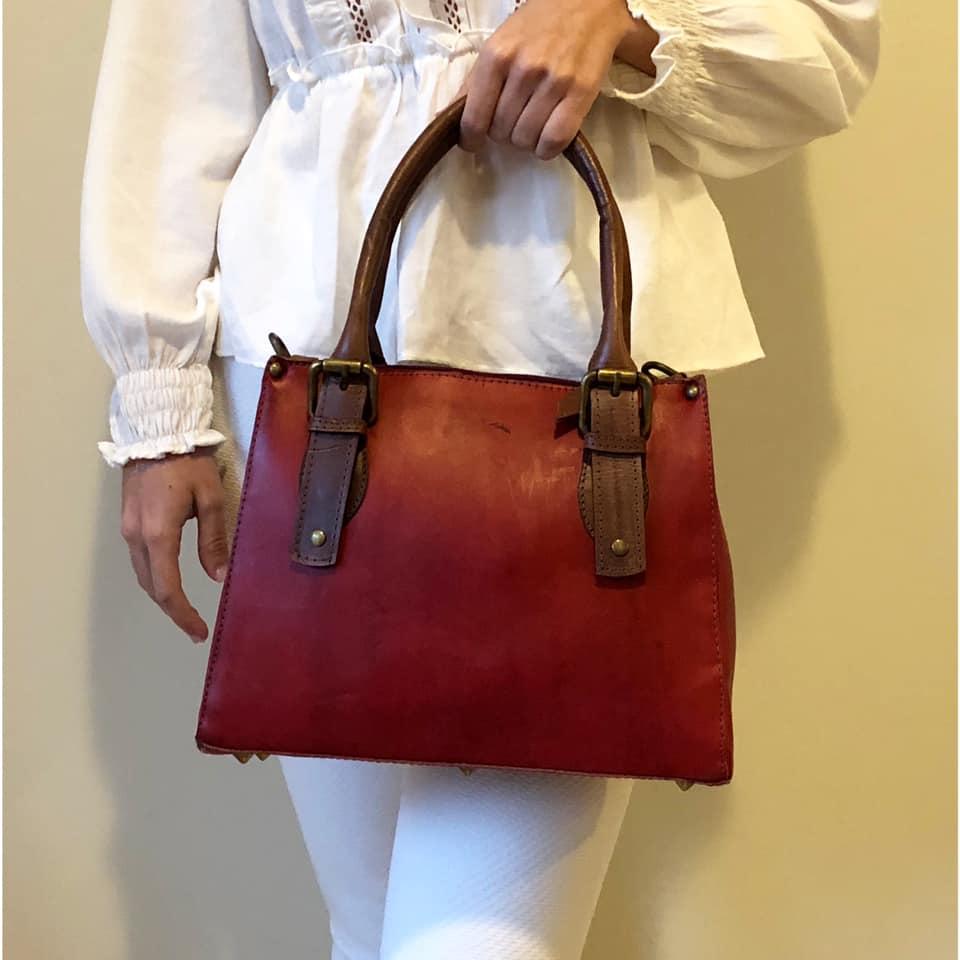 Bolsa de Couro Vermelha - Cintos Exclusivos - Feminino
