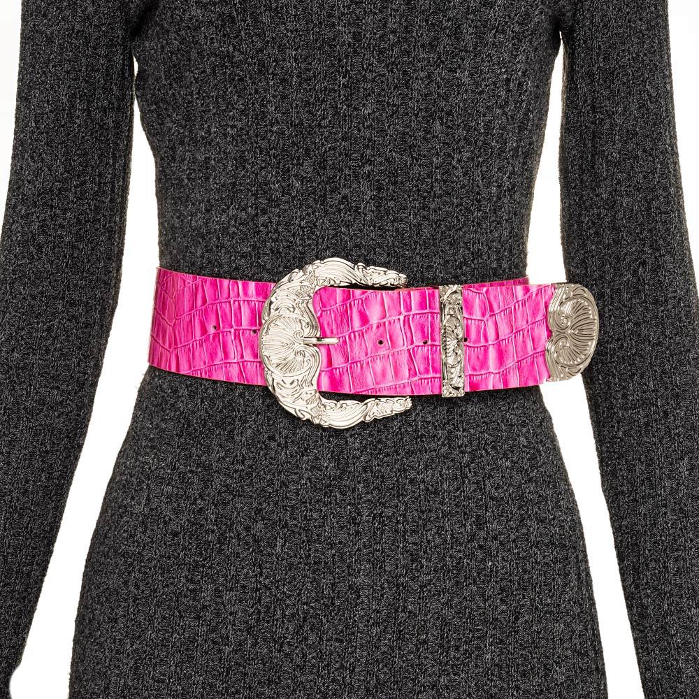 Cinto de Couro Croco Max Rosa com fivela e ponteira prata - 6,0 - cm - Cintos Exclusivos - Feminino